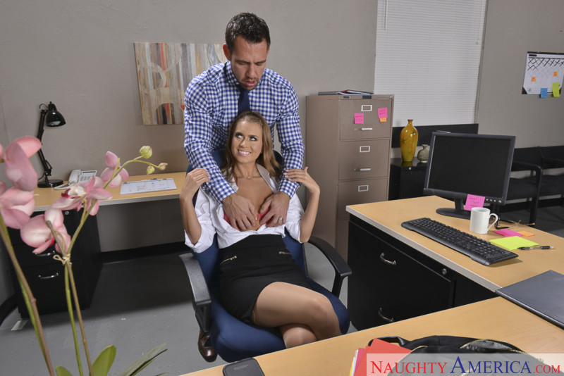 Aidra Fox Naughty America