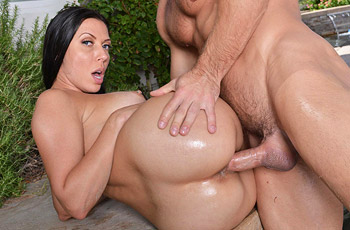 Rachel Starr Fucked in the Pool