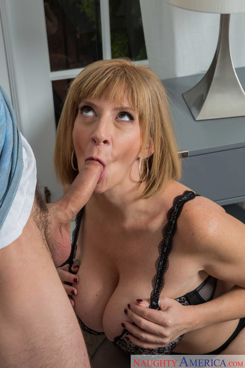 Busty milf rachael cavalli begging for stepsons big hard rod - 1 9