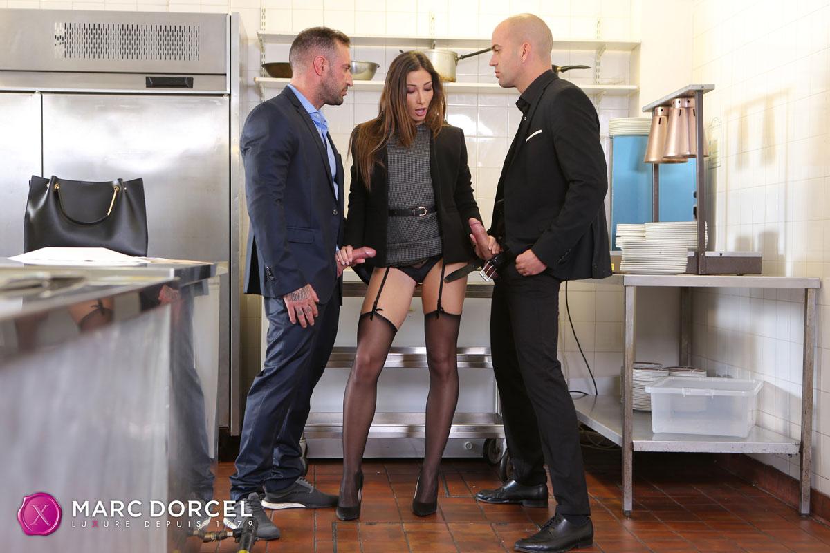 Clea Gaultier Kitchen Threesome