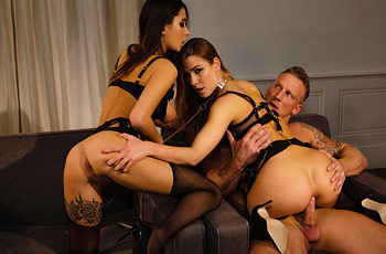 Alexis Crystal Hot Threesome