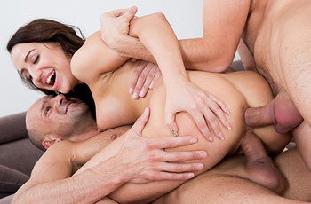 Natali Ruby in a Threesome