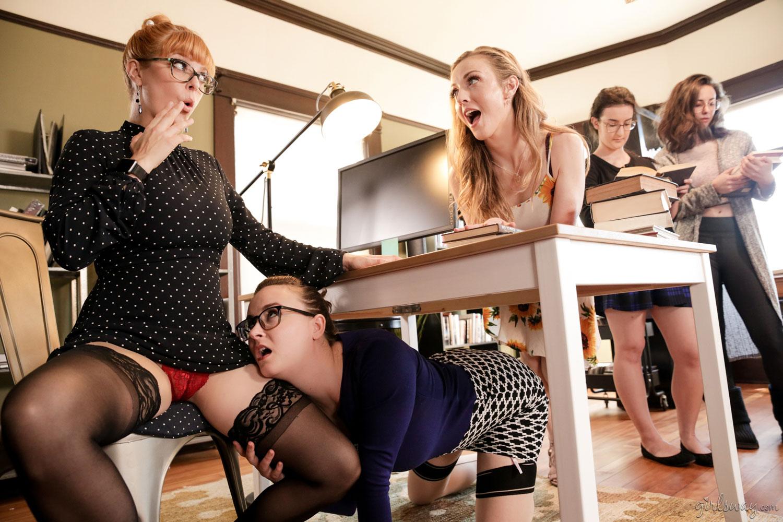 Lesbian Threesome Foot Worship
