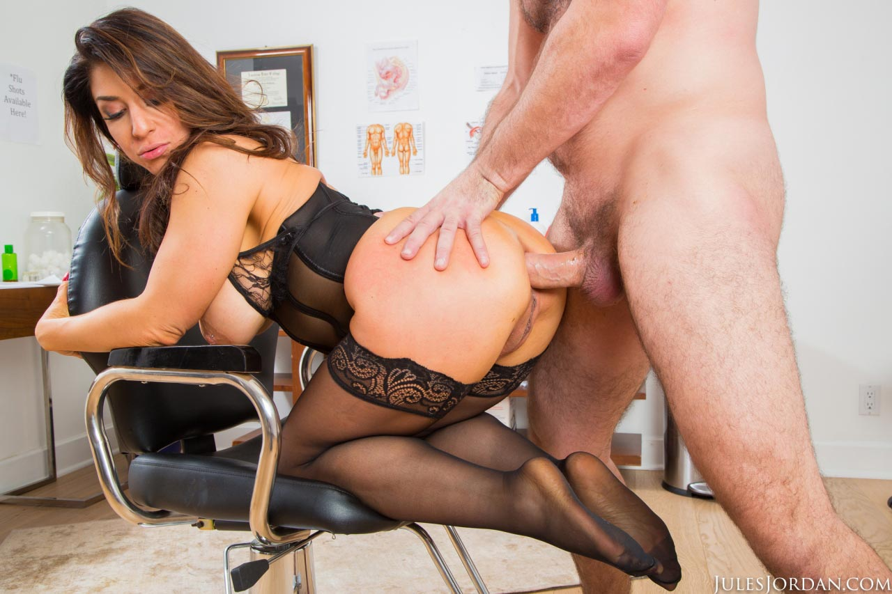 Busty Thick Office Milf Gets Her Tight Ass Destroyed By A Big Hard Meatpole