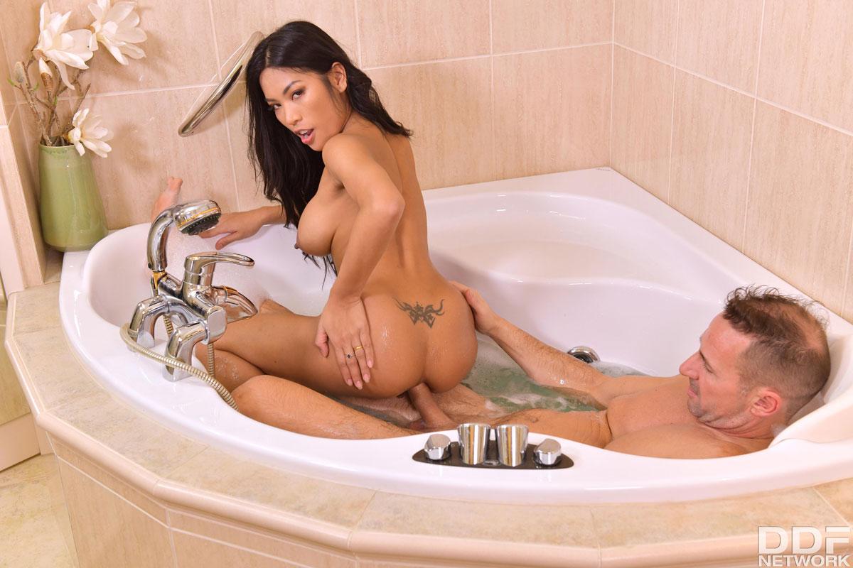 Bathtub Anal